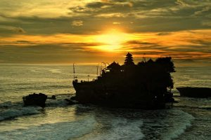 Tanah Lot Temple Sunset | Sai Bali Tours